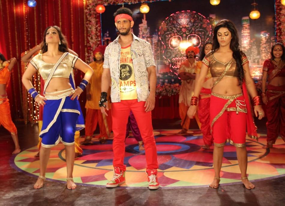 Sharman Joshi, Mahi Gill,Meera Chopra