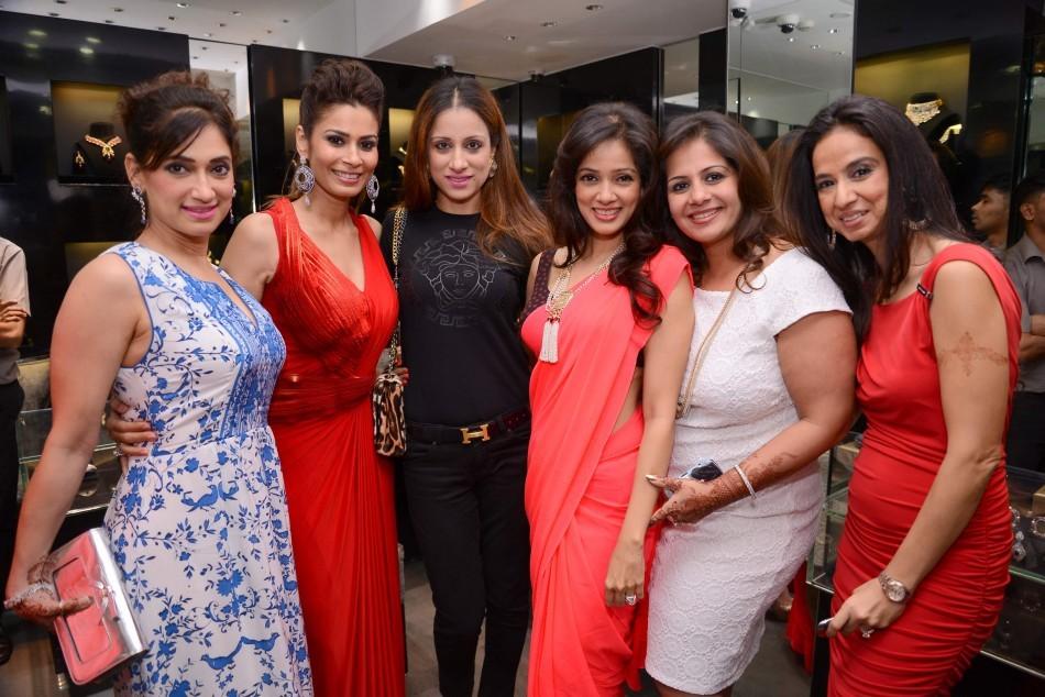 Lucky Morani, Shaheen Abbas, Rouble Nagi, Vidya Malvade, Kiran Bawa, Kiran Datwani.
