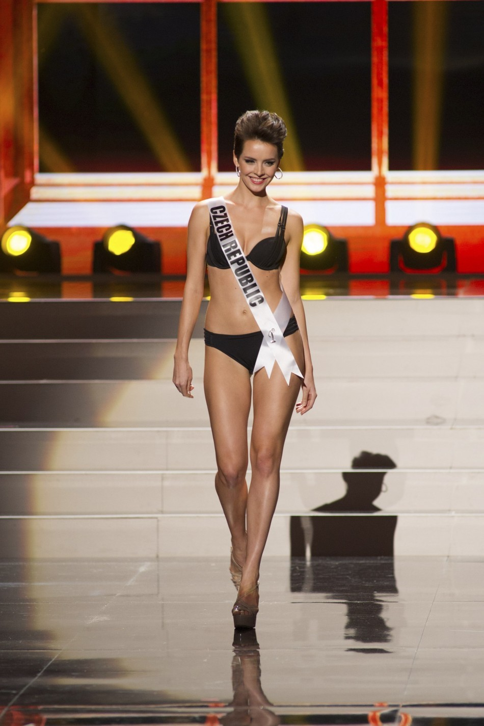Miss Universe 2013: Contestants Sizzle in Swimsuit Round