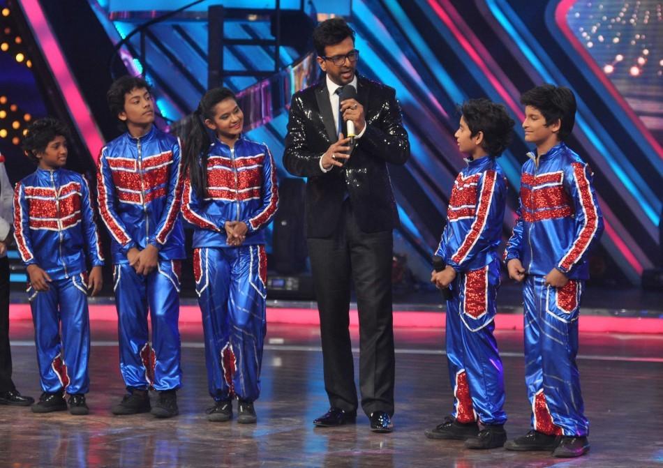 Amitabh Bachchann, Varun, Ileana and Nargis at Boogie Woogie Grand Finale