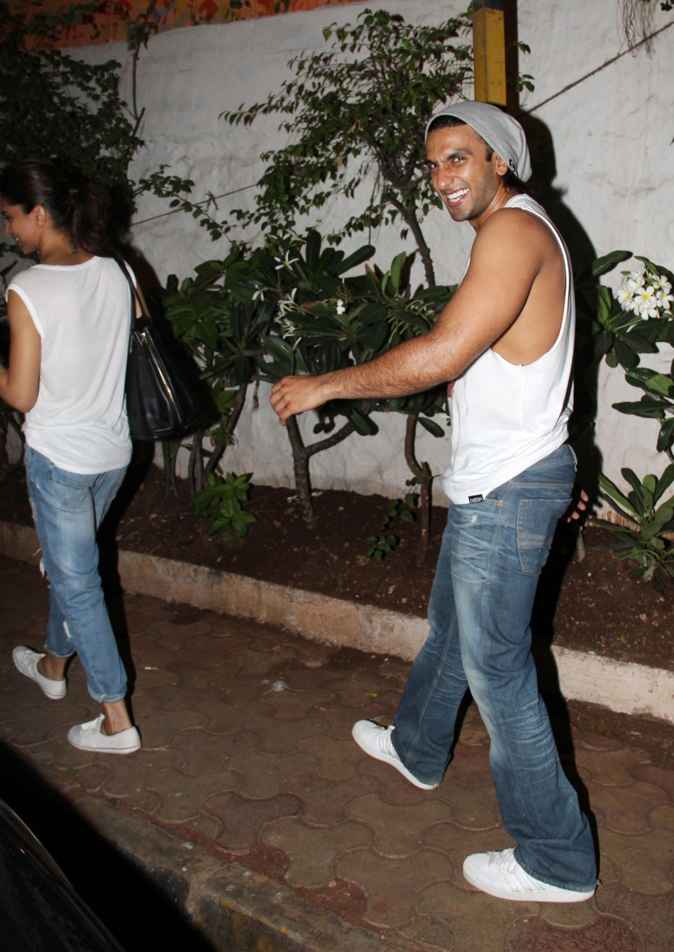 Ranveer Singh and Deepika Padukone snapped at Oliver bar
