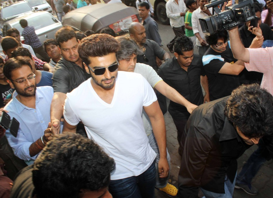 Arjun Kapoor Promotes '2 States' At Gaiety Galaxy Theatre