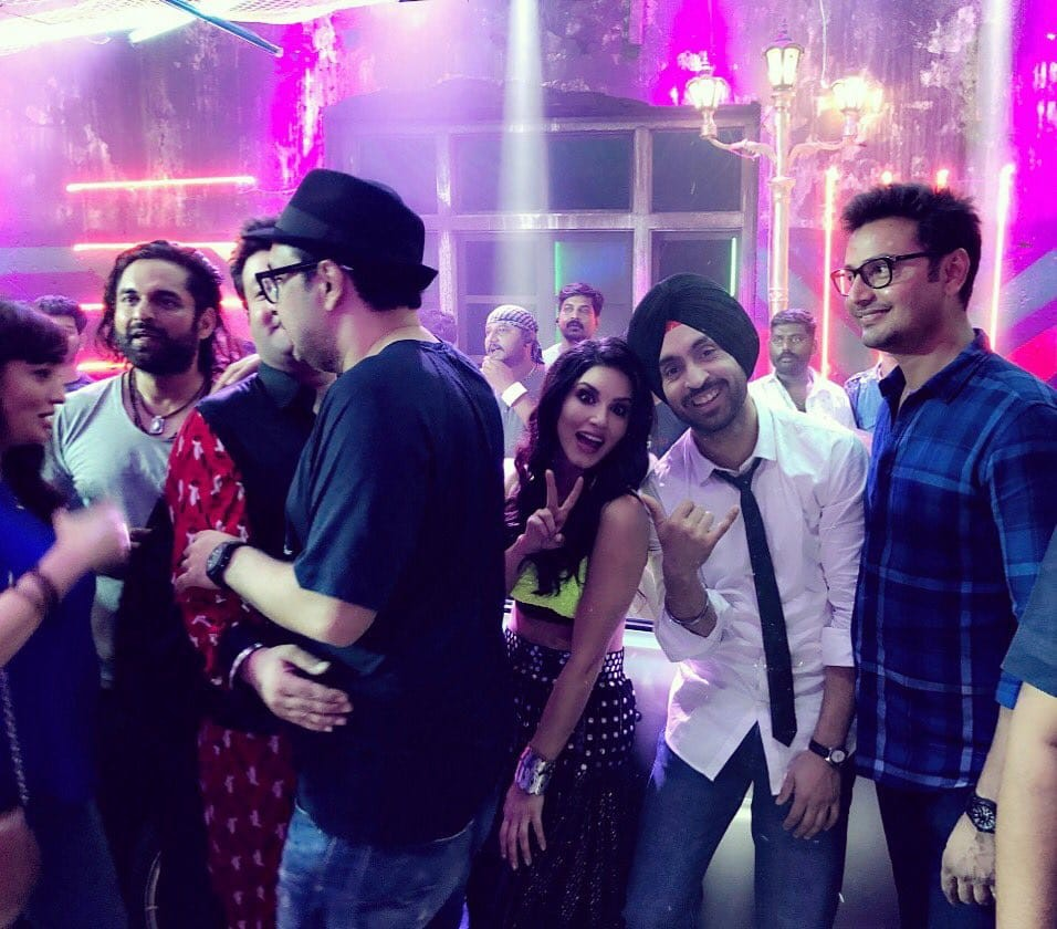 Diljit Dosanjh,Kriti Sanon,Sunny Leone,Arjun Patiala wraps up party,Arjun Patiala wraps up,Arjun Patiala wraps up pics,Arjun Patiala wraps up images,Arjun Patiala wraps up stills,Arjun Patiala wraps up pictures,Arjun Patiala wraps up photos