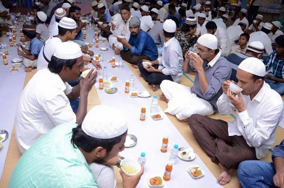Vijay at Iftar Party,Ilayathalapathy Vijay at Iftar Party,Vijay at Iftar Party Pics,Ilayathalapathy Vijay at Iftar Party Pics,Vijay at Iftar Party images,Vijay at Iftar Party photos,Vijay at Iftar Party stills,Vijay at Iftar Party pictures,Ilayathalapathy