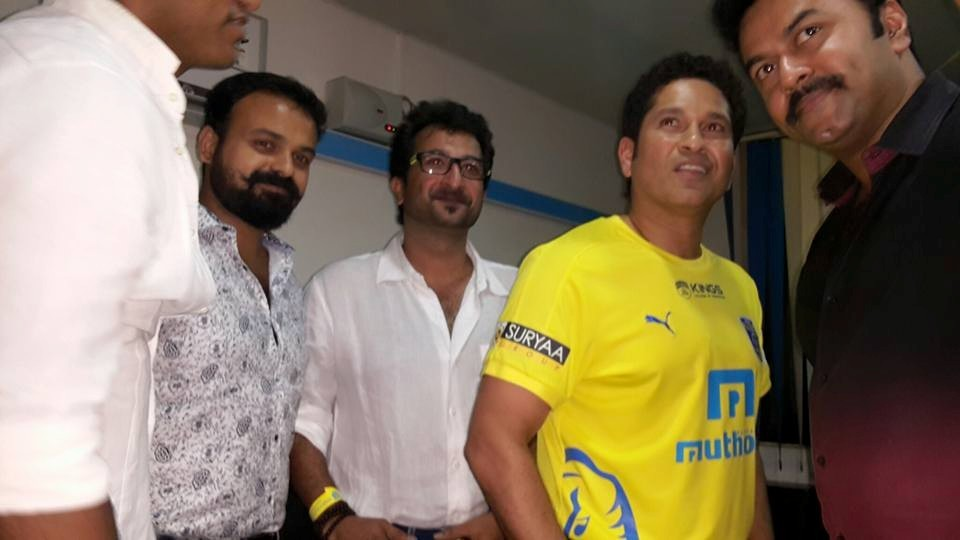 Sachin tendulkar,sachin tendulkar with malayalam celebs,sachin tendulkar kerala blasters,kerala blasters match,Indian Super League 2015,ISL 2015