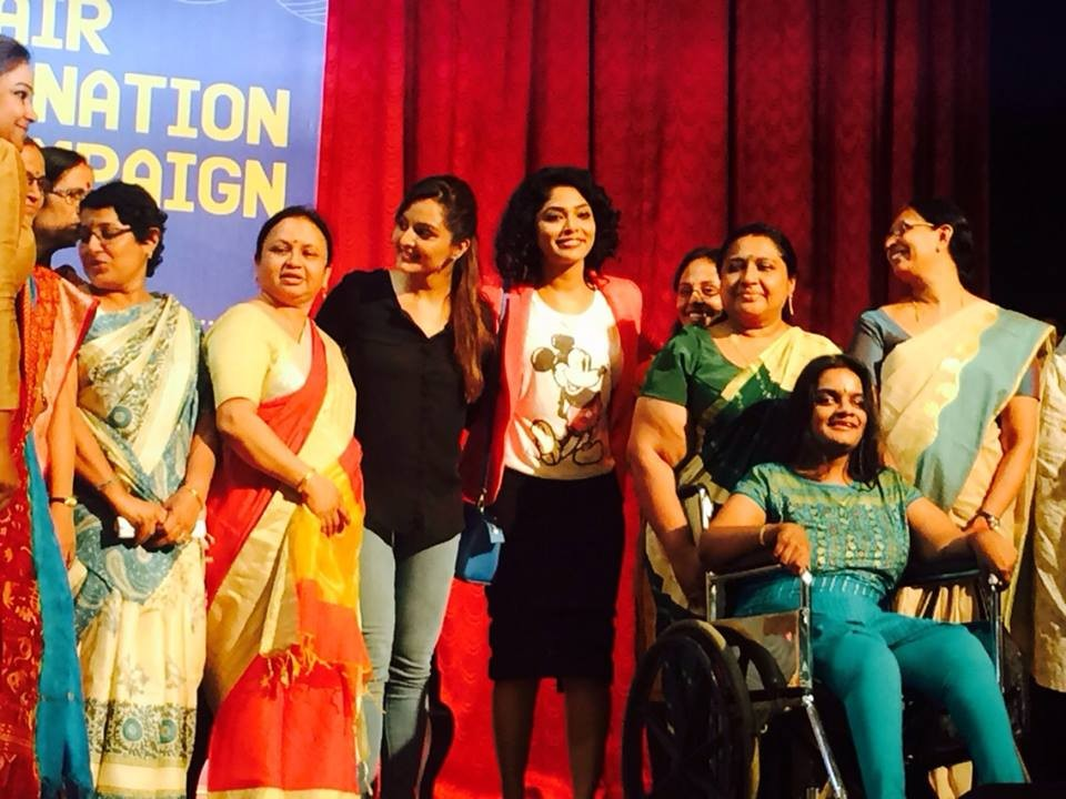 Manju warrier,rima kallingal,Hair Donation Campaign,Canserve Charitable Society,St teresas college