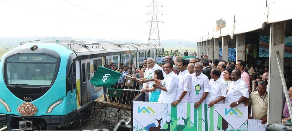Kochi metro rail limited,kochi metro rail,kochi metro rail test run,kochi metro test run,metro test run,kochi metro oommen chandy,oommen chandy flags off kochi metro