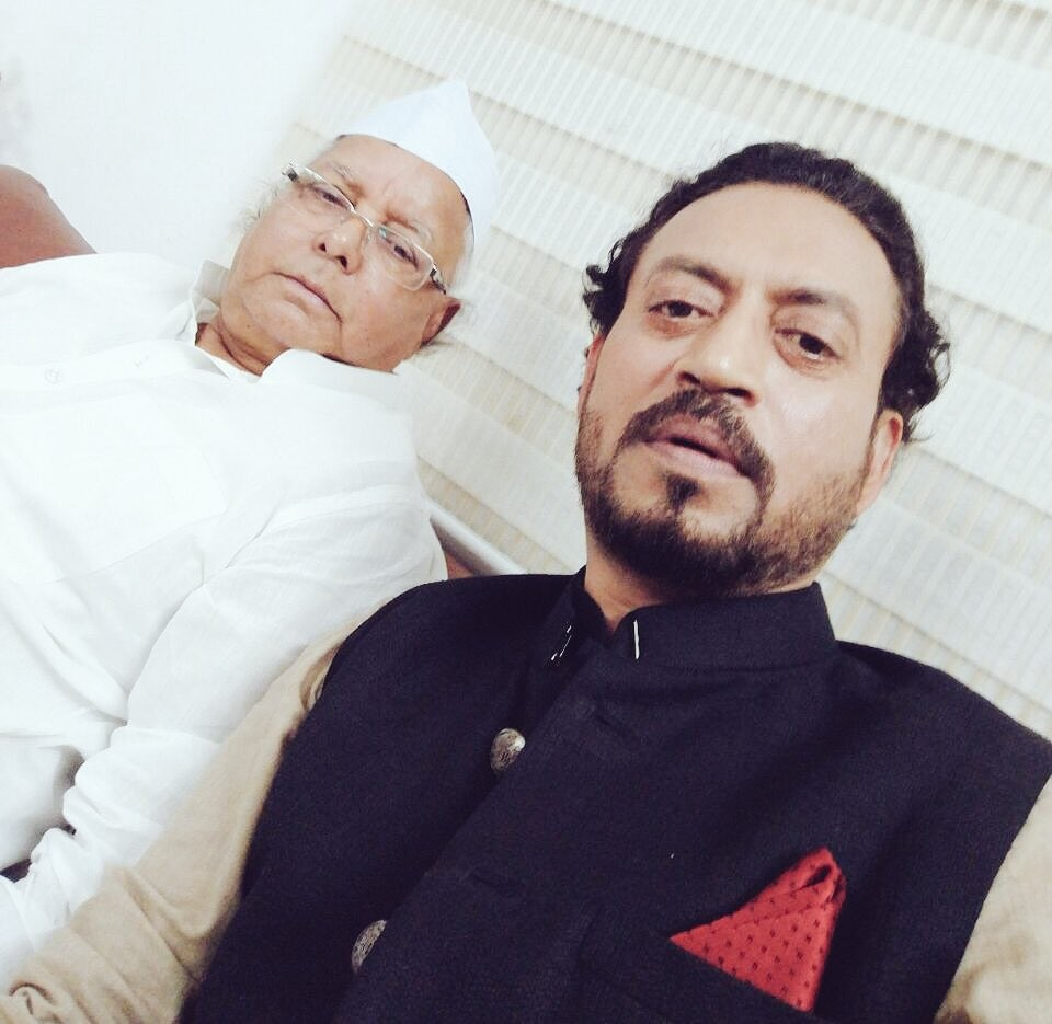 Irrfan Khan,Irrfan Khan shares 'bawaal' selfie with Lalu Prasad,Irrfan Khan selfie with Lalu Prasad,Irrfan Khan with Lalu Prasad,Lalu Prasad,bawaal selfie,selfie pics,Madaari,Madaari actor Irrfan Khan