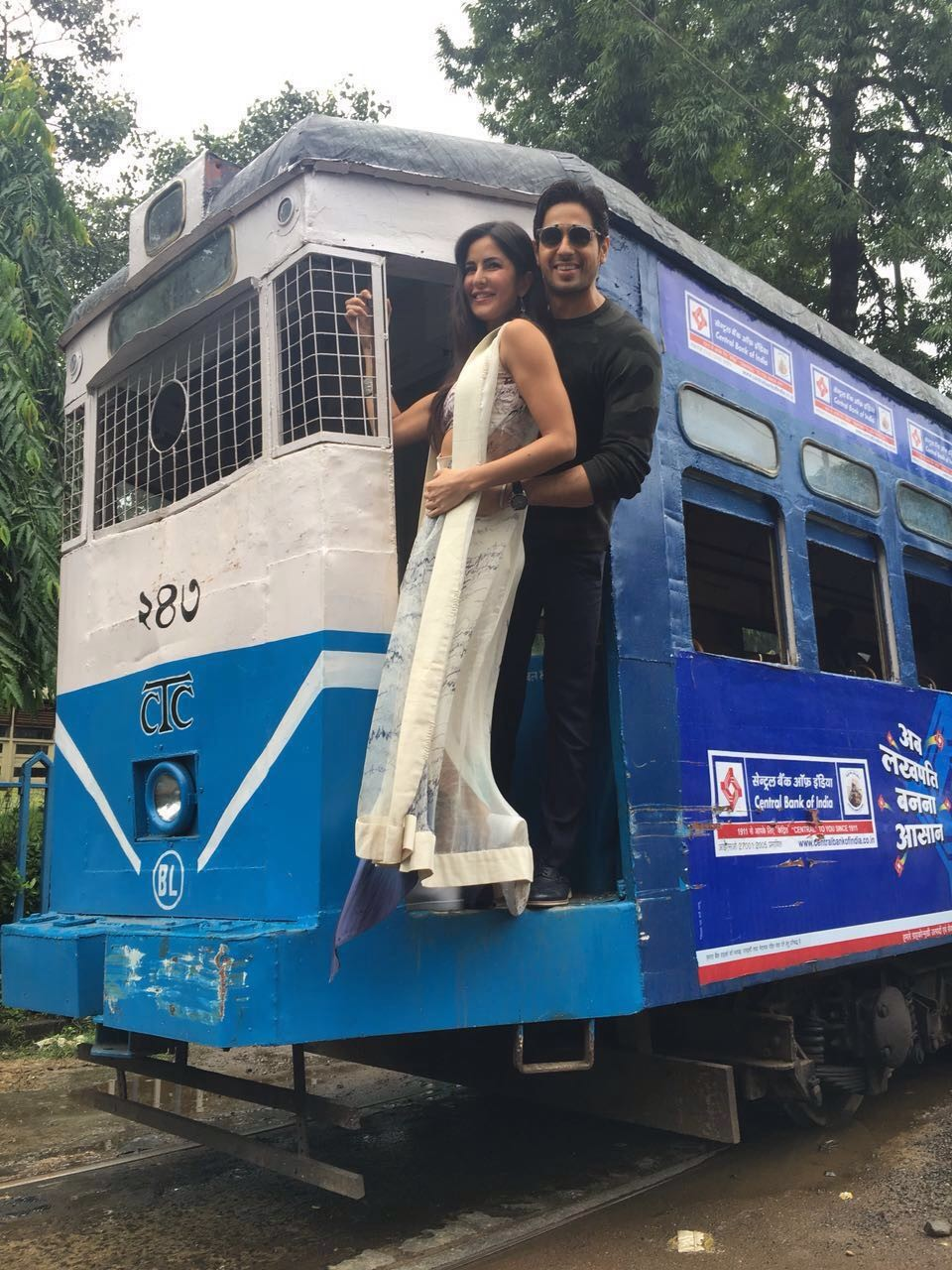 Baar Baar Dekho,Sidharth Malhotra and Katrina Kaif,Sidharth Malhotra,Katrina Kaif,Sidharth Malhotra partied in Kolkata's Train,Baar Baar Dekho working stills,Baar Baar Dekho on the sets,Baar Baar Dekho pics,Baar Baar Dekho images,Baar Baar Dekho phot