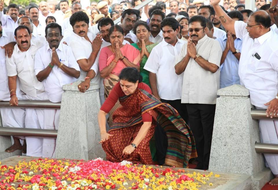 Sasikala,Sasikala pays tribute to Jayalalithaa,Jayalalithaa,Marina Beach,Sasikala Natarajan,Sasikala DA case verdict
