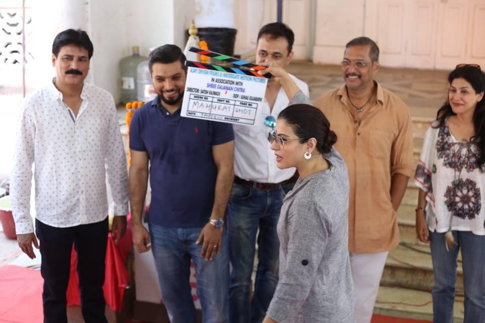 Kajol,actress Kajol,Ajay Devgn,Nana Patekar,Kajol gives the clap for Ajay Devgn,Kajol Gave the Clap for Nana Patekar's film,Suhas Gujarati,Satish Rajwade,Abhinav Shuklaa