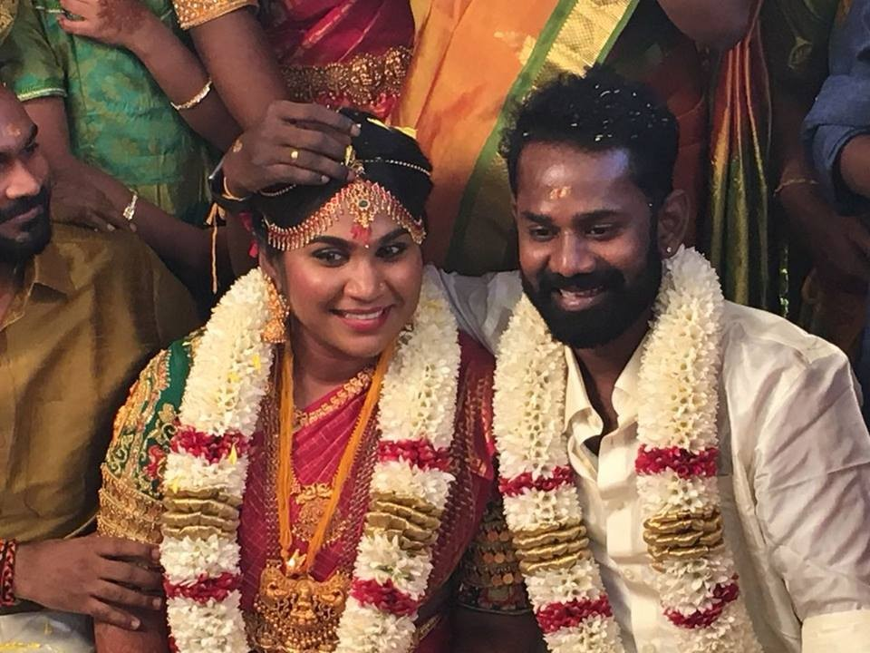 Ramesh thilak,rj navalakshmi,ramesh thilak wedding,rj navalakshmi marriage,kollywood celebrity wedding,tamil celebrity marriage,Ramesh Thilak weds RJ Navalakshmi