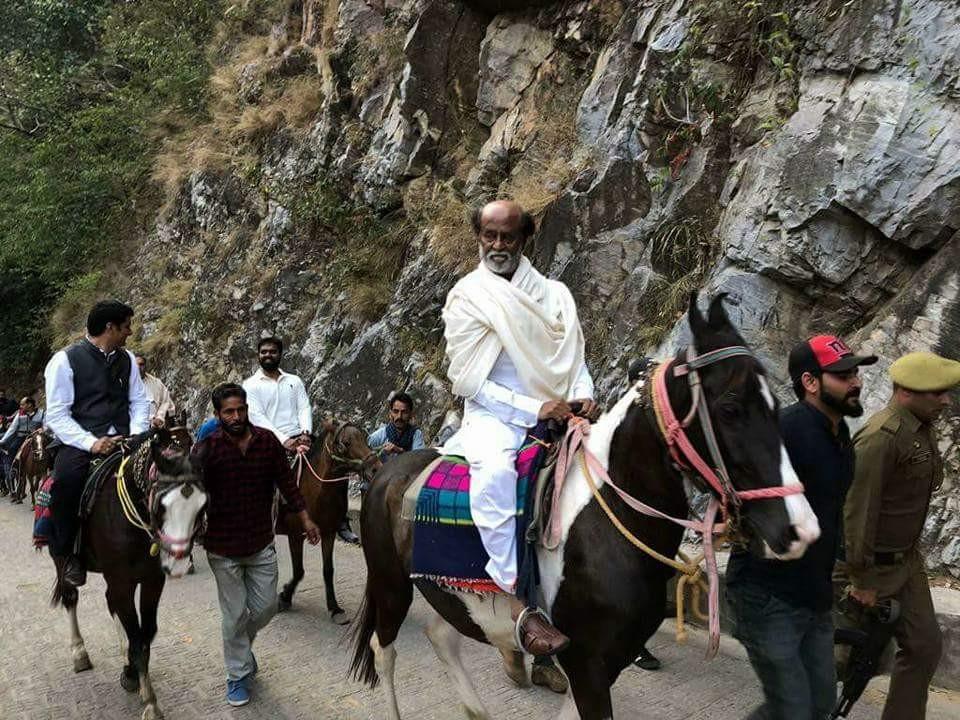 Mahavatar Babaji Cave,Rajinikanth at Babaji cave,Rajinikanth at cave,Rajinikanth at Himalayas,Rajinikanth Himalayas,Rajinikanth pics,Rajinikanth images