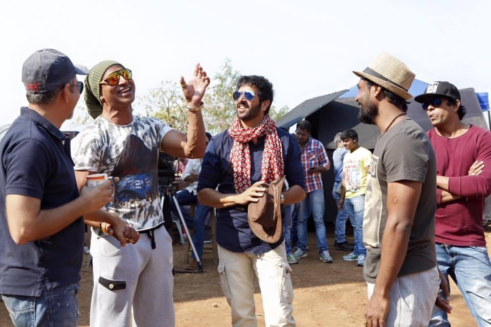 Kabir Khan and others on the sets of Bajrangi Bhaijaan