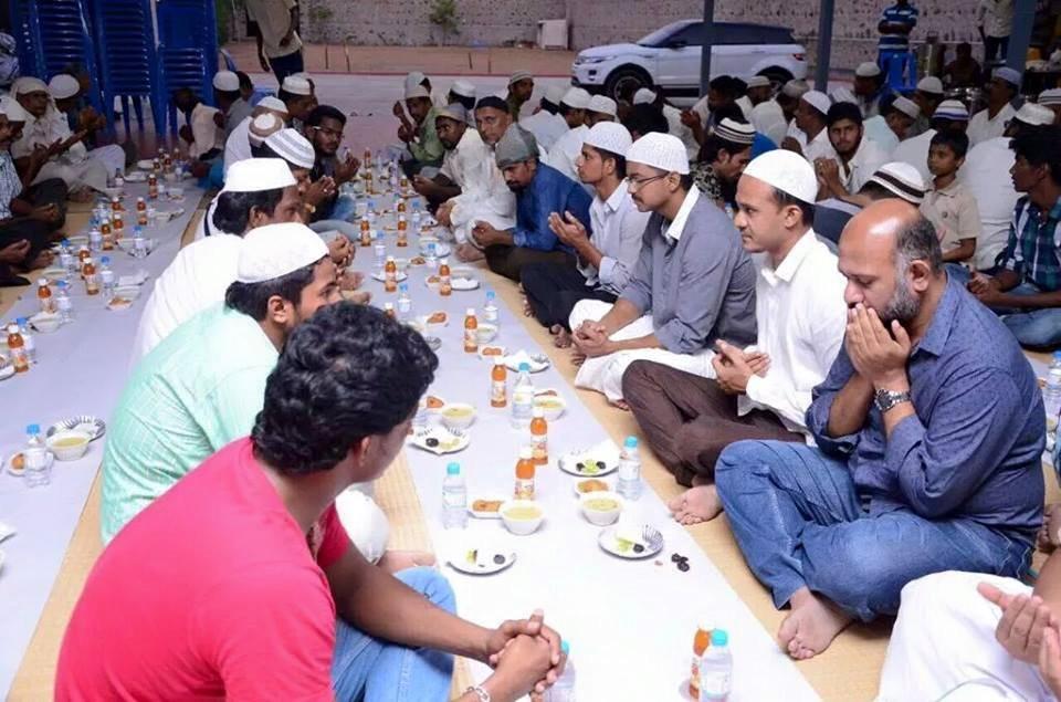Vijay Throws Iftar Party