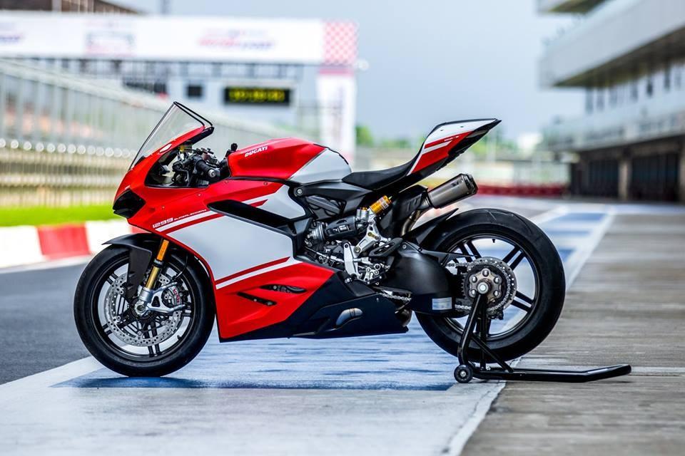Ducati 1299 Superleggera, Ducati 1299 Superleggera India, Ducati 1299 Superleggera price