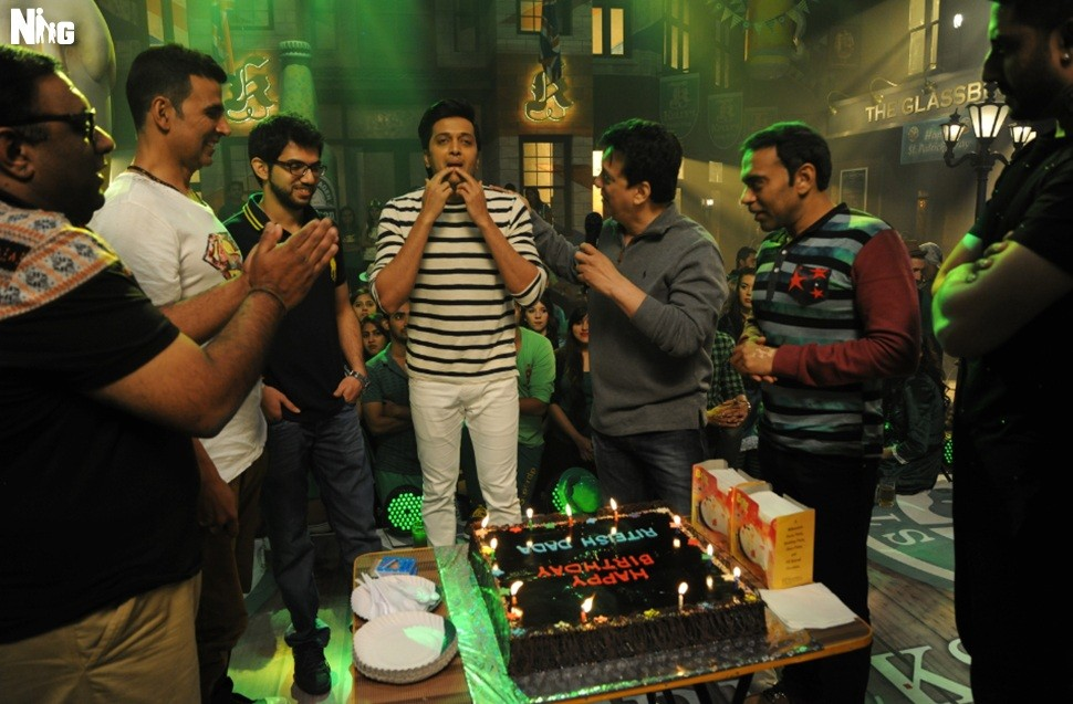 Riteish Deshmukh,Riteish Deshmukh birthday celebration,Housefull 3,Riteish Deshmukh birthday,Riteish Deshmukh birthday celebration pics,Riteish Deshmukh birthday celebration images,Riteish Deshmukh birthday celebration photos,Riteish Deshmukh birthday cel