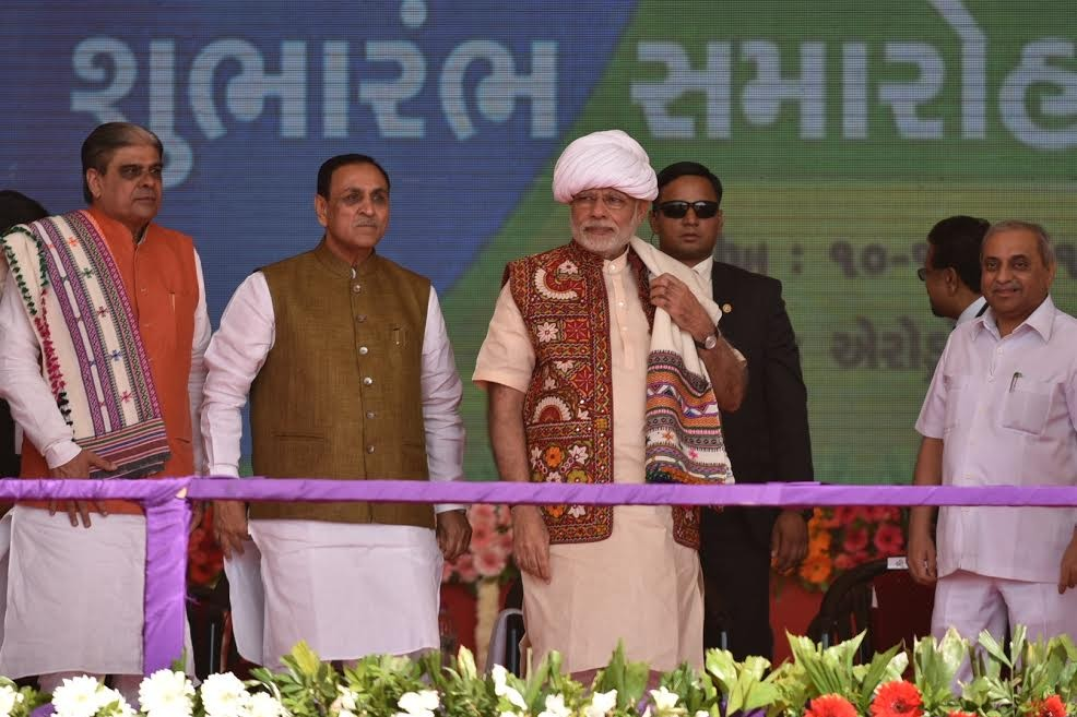 Narendra Modi,Narendra Modi inaugurates Amul Cheese Plant,Amul Cheese Plant & Whey Drying Plant,Amul Cheese Plant,Whey Drying Plant,Narendra Modi in Palanpur,PM Modi to address farmers,Modi to address farmers