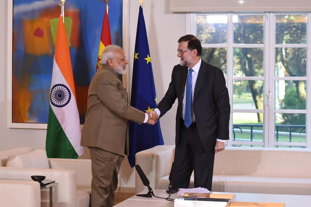 Narendra Modi meets President of Spain Mariano Rajoy,Narendra Modi,Narendra Modi meets Mariano Rajoy,Mariano Rajoy,La Moncloa Palace,Modi