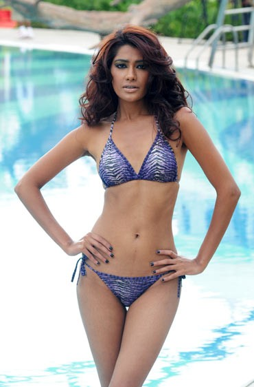 Katrina Kaif In Bikini In Kingfisher Calendar