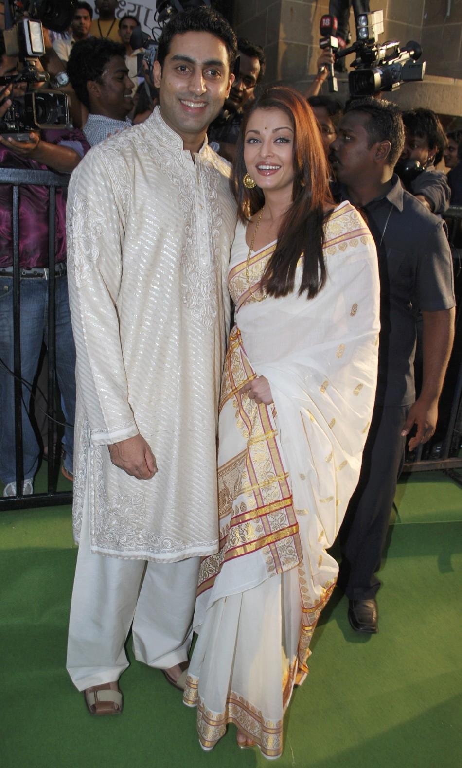 Stars Flock to Jalsa for Ashwarya Rai Bachchan's Baby ...
