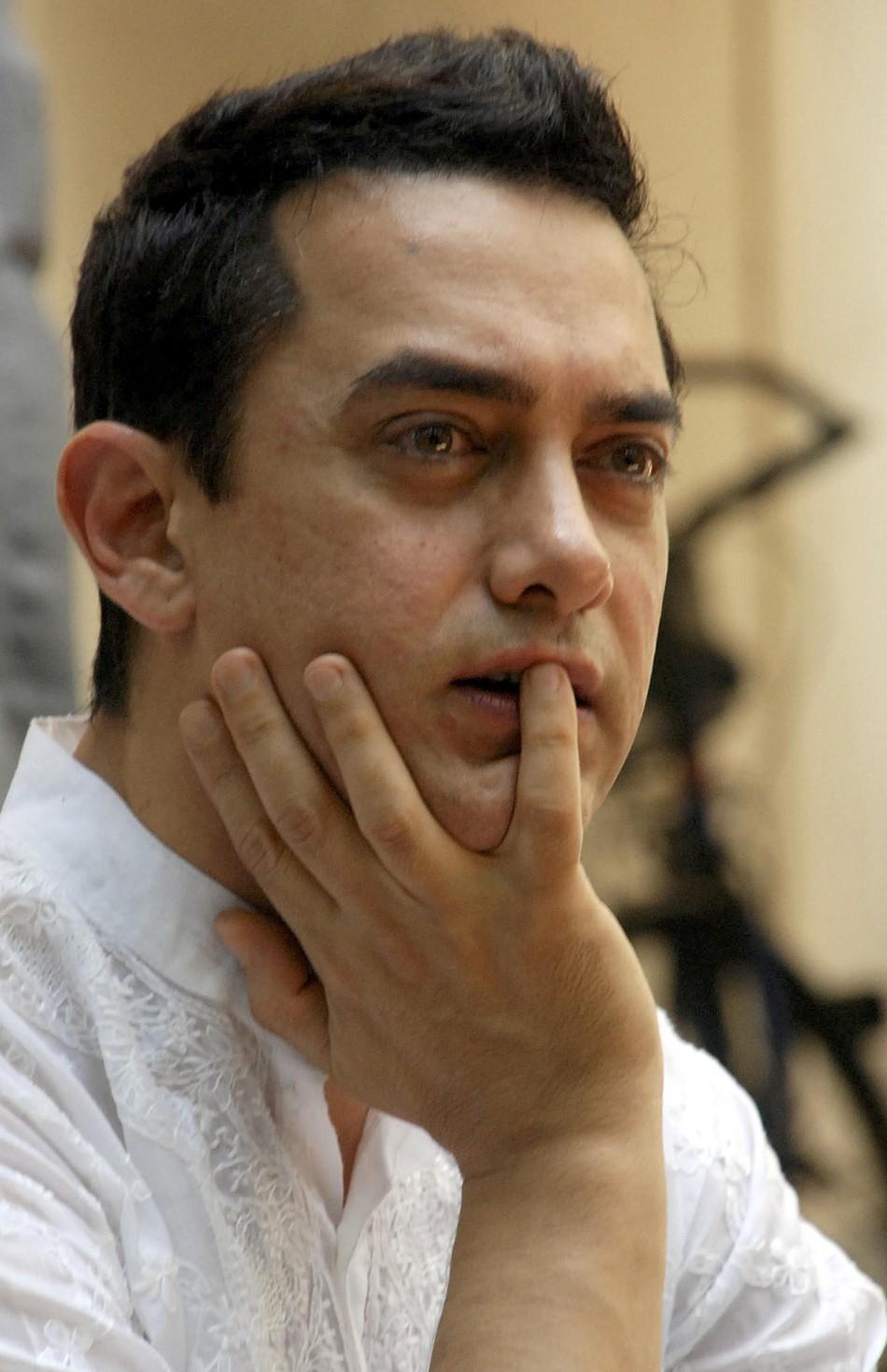 Aamir Khan Actresshka Sharma Teenage Pics