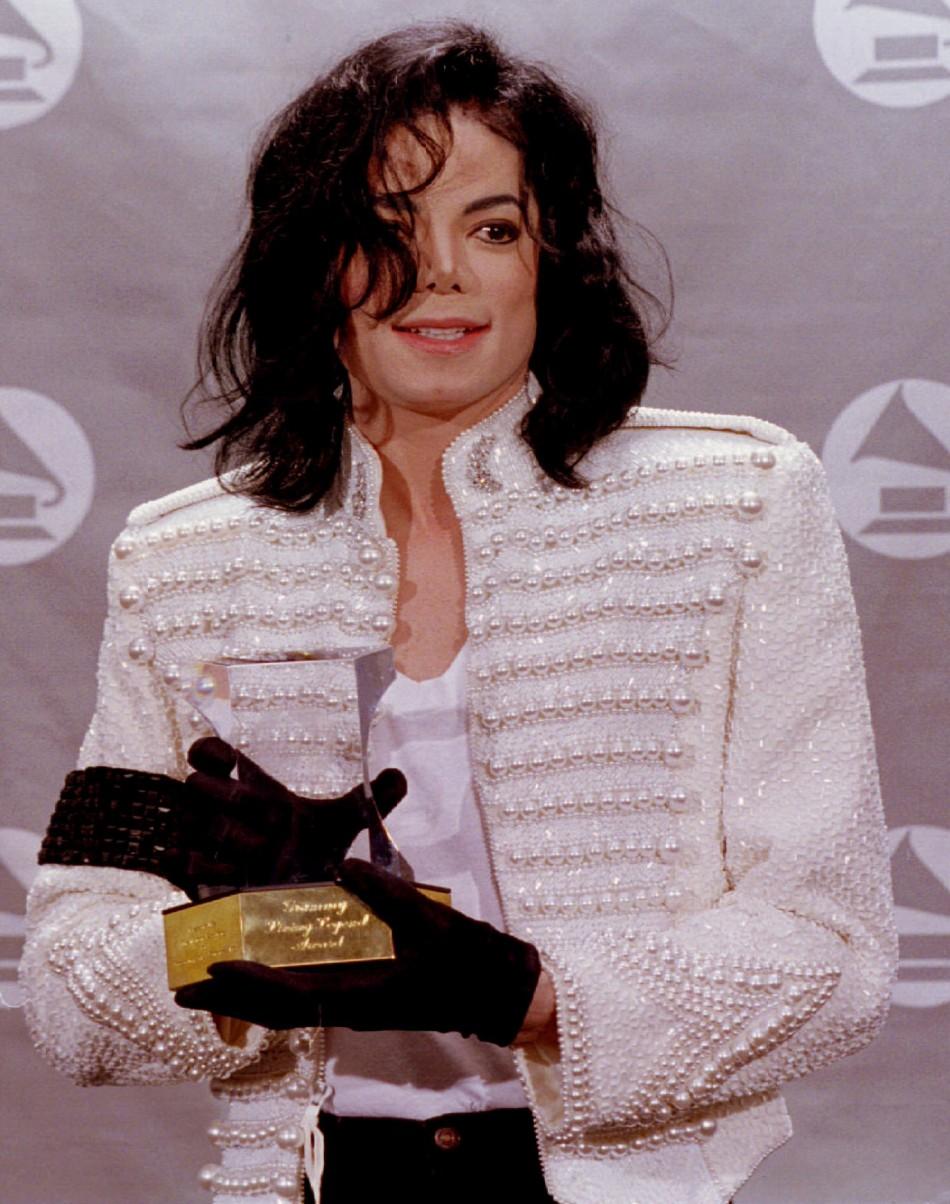 Michael Jackson Child Porn Collection Estate Slams Report -5430