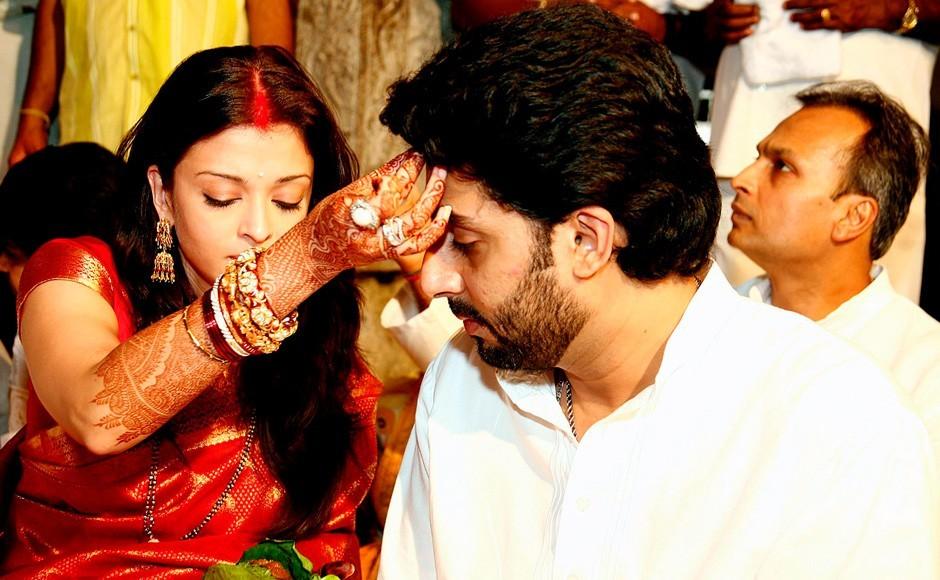 Spotted: Aishwarya Rai And Abhishek Bachchan ... - FilmiBeat