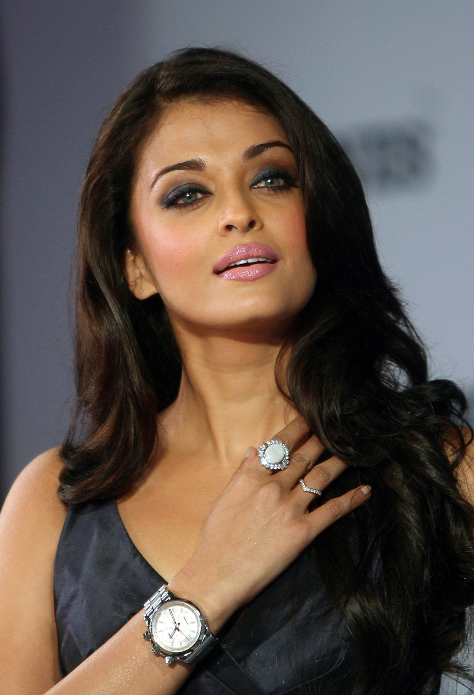 Aishwarya Rai Bachchans Comeback Actress Approached For