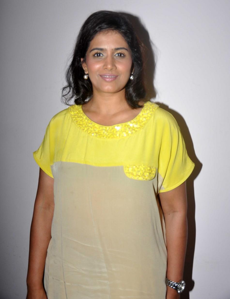 Watch Sonali Kulkarni video