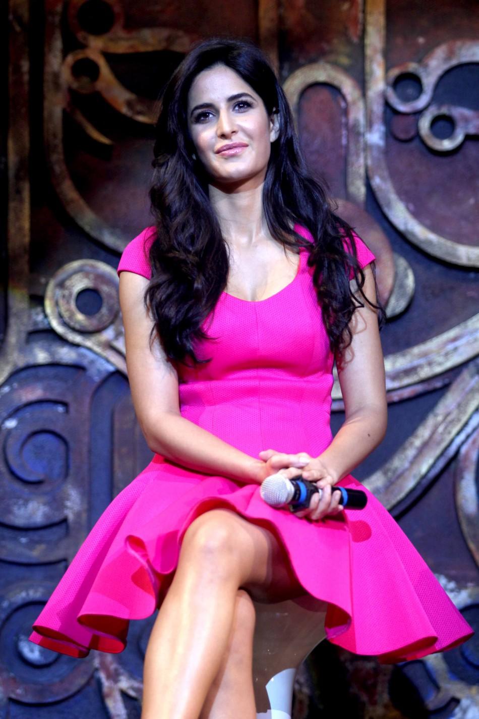 Katrina Kaif Suffers Wardrobe Malfunction Dhoom 3 -7002