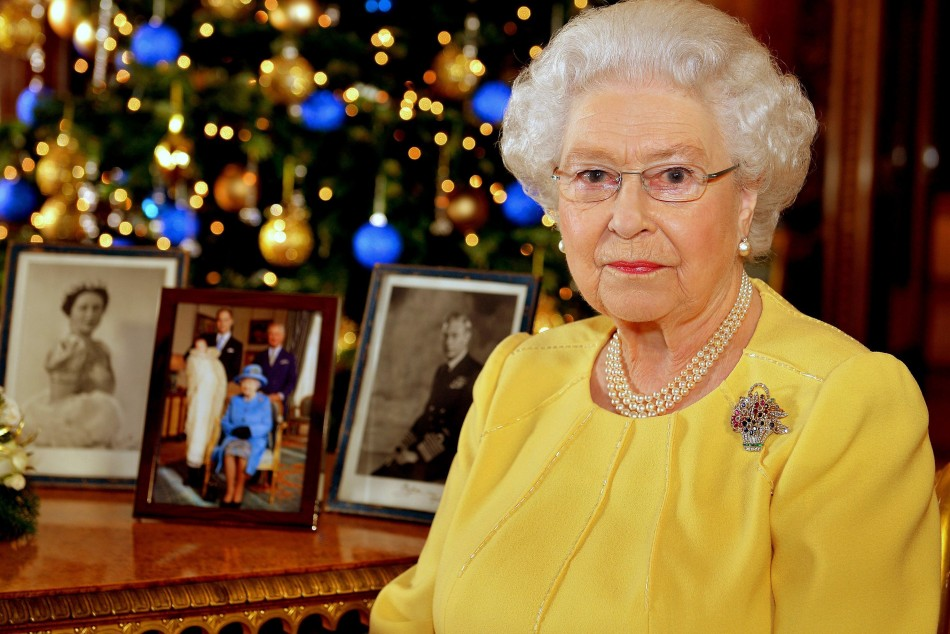 queen elizabeth ii 39 s throne abdication camilla parker bowles to compete with kate middleton for. Black Bedroom Furniture Sets. Home Design Ideas