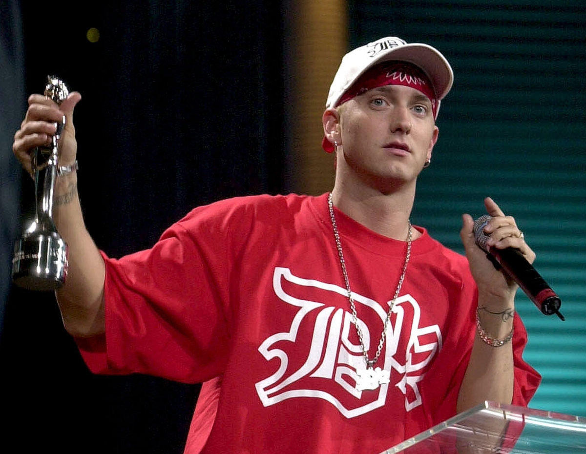 Eminem Heroin Addiction Hoax: 'Rapper Quits Music After ...