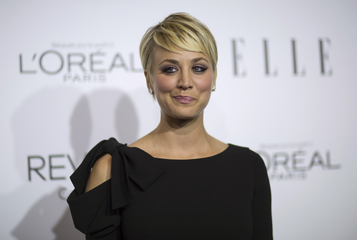 Big Bang Theory Actress Kaley Cuoco Sweeting To Sport Long Hair