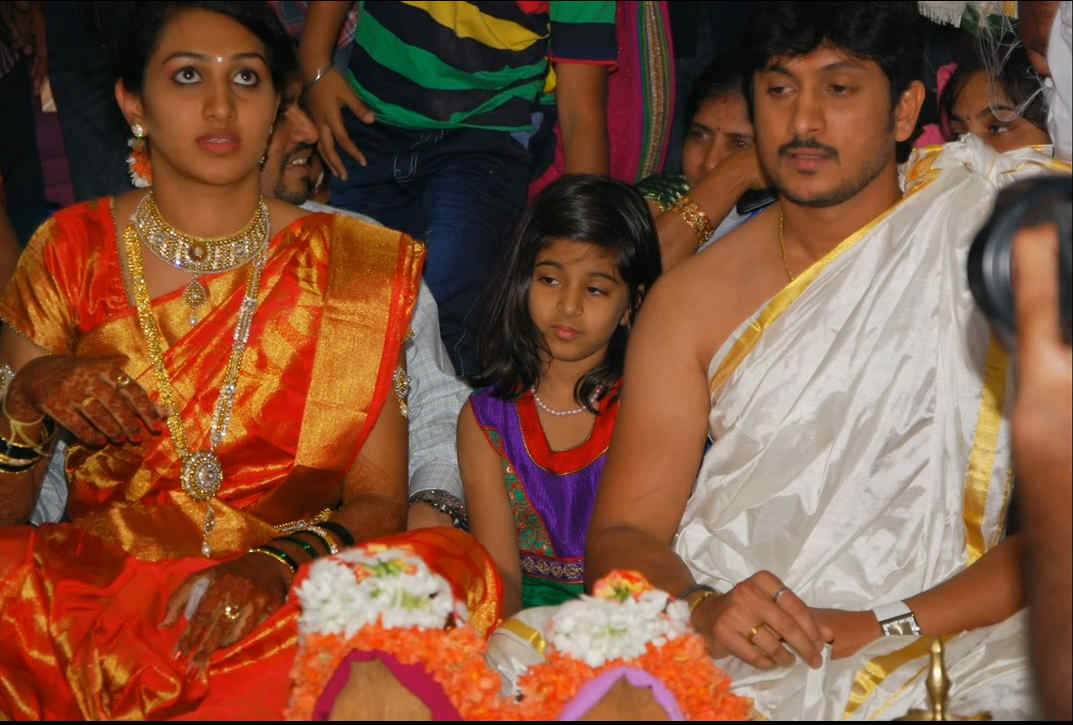 Ajay Rao Ties Knot with Girlfriend Swapna at Low-Key ...