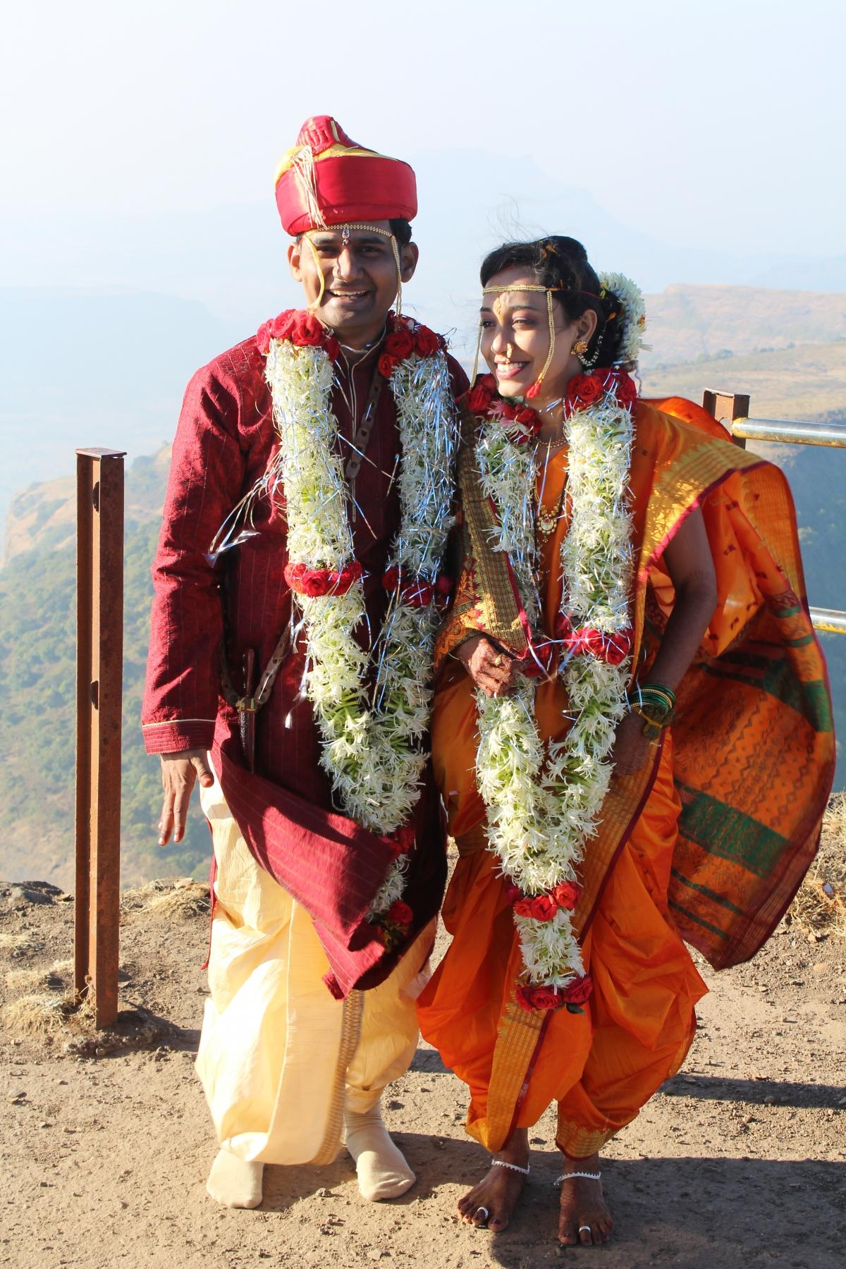 Axis Auto Group >> Unusual Wedding: Couple Marries on Top of Maharashtra's Tallest Peak Mt Kalsubai [PHOTOS ...