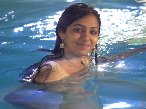 After Hansika Motwani, Lakshmi Menons Lookalike Bathing Video Leaked Online - Ibtimes -2396