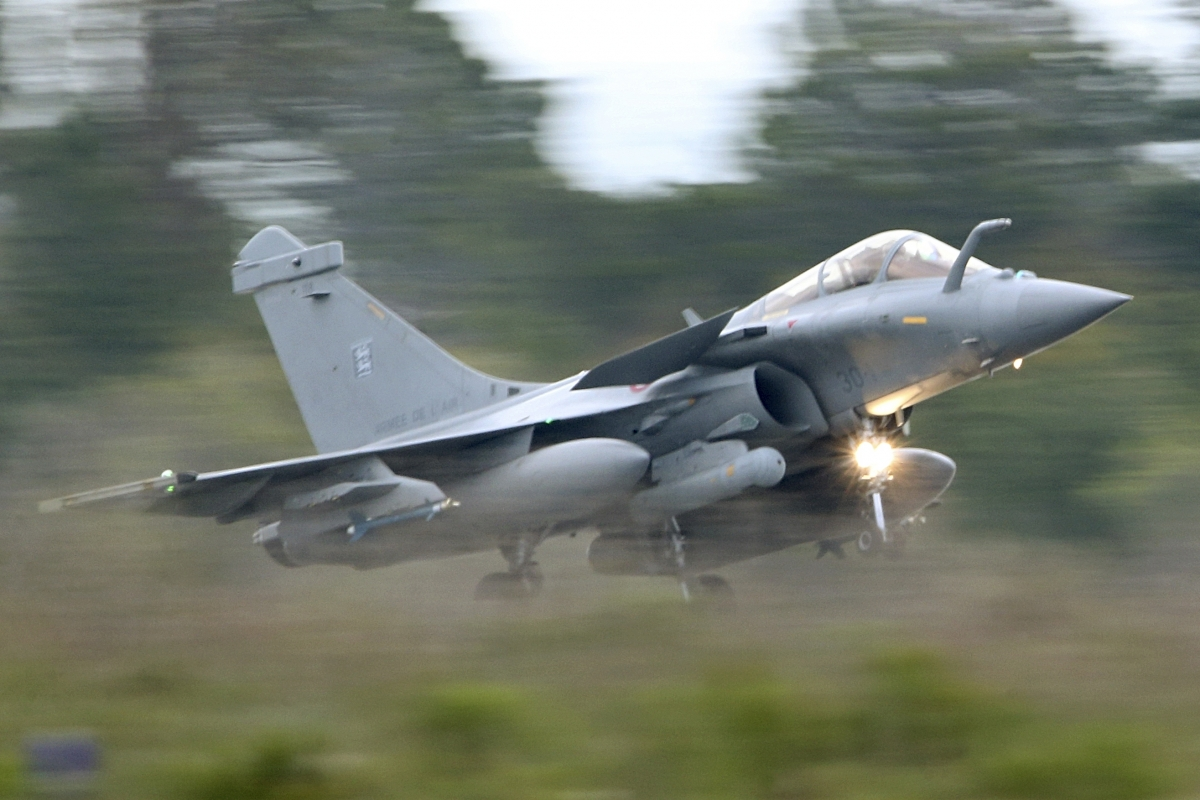 india  france agree to  8 8b rafale jet deal  report