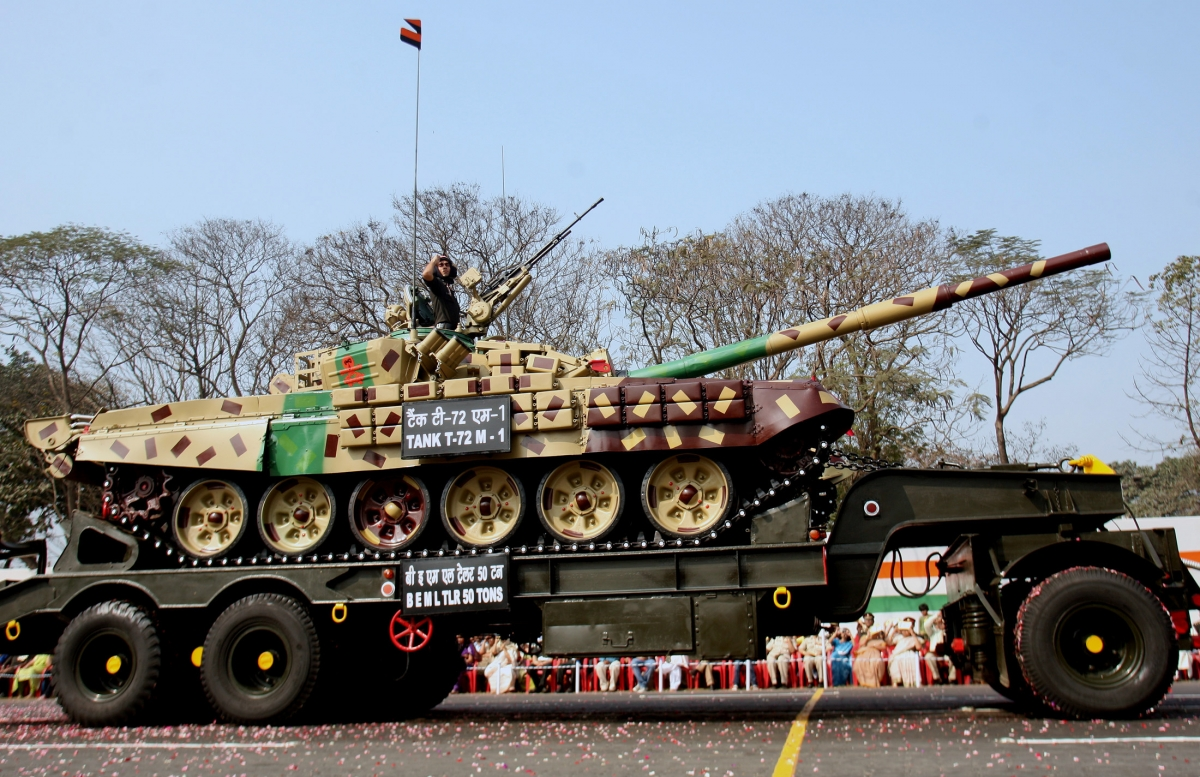 Indian army deploys t 72 tanks in ladakh to counter chinese military build up ibtimes india - Army tank pictures ...