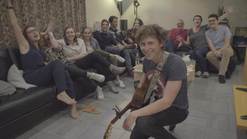 Meet the singer who toured the world from strangers living rooms