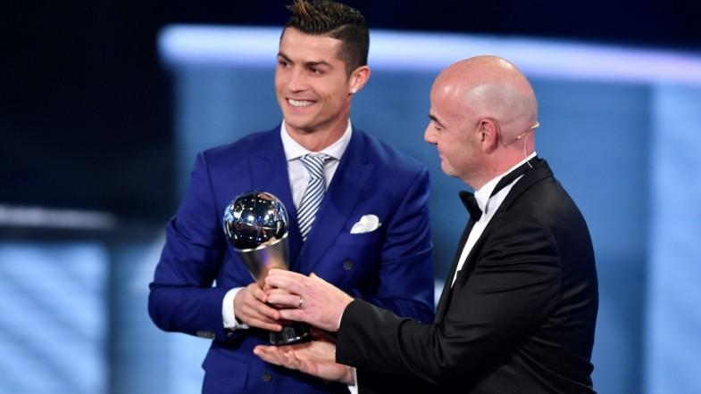 Cristiano Ronaldo crowned FIFA player of the year as Claudio Ranieri wins manager award