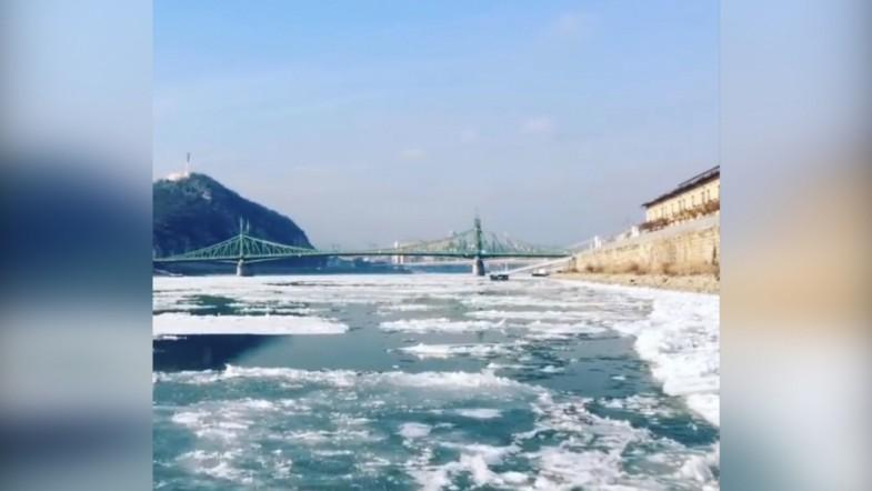 Stunning timelapse shows ice floating down the Danube