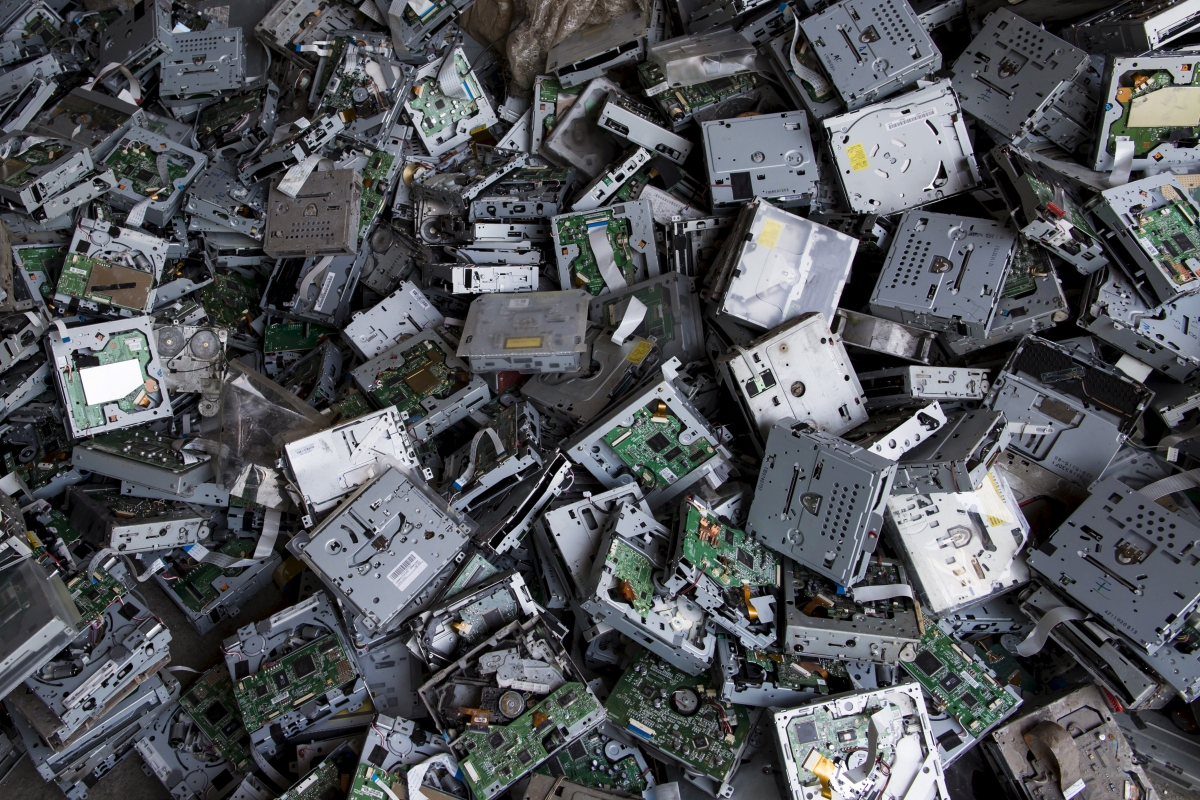 Precious Metals Inside Old Gadgets Could Be Worth A Fortune Electronics Scrap Recycling Pictures Ibtimes India
