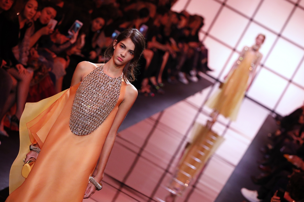 How Much Money Do Indian Celebs Get For Attending Fashion Shows Ibtimes India