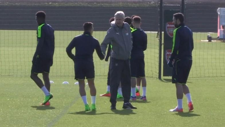 Alexis Sanchez shakes Arsene Wengers hand after training ground bust-up rumours