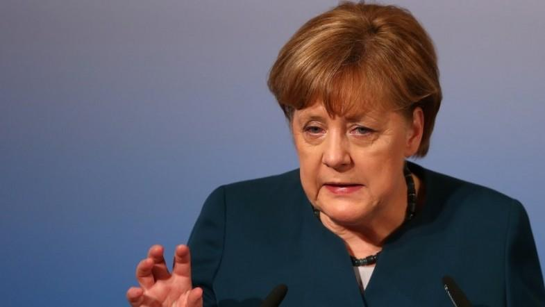 Angela Merkel condemns Turkish leaders for Nazi comparisons