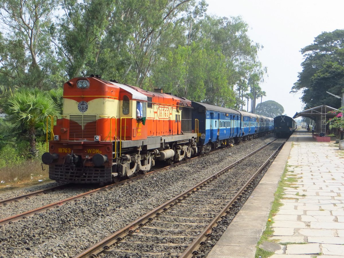 Find Out 5 New Things About The Indian Railway Food And
