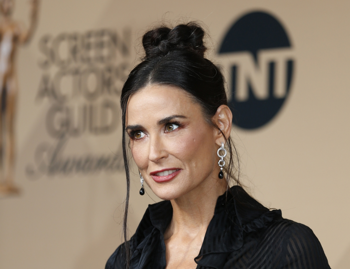 Hollywood celebrity wardrobe malfunction video
