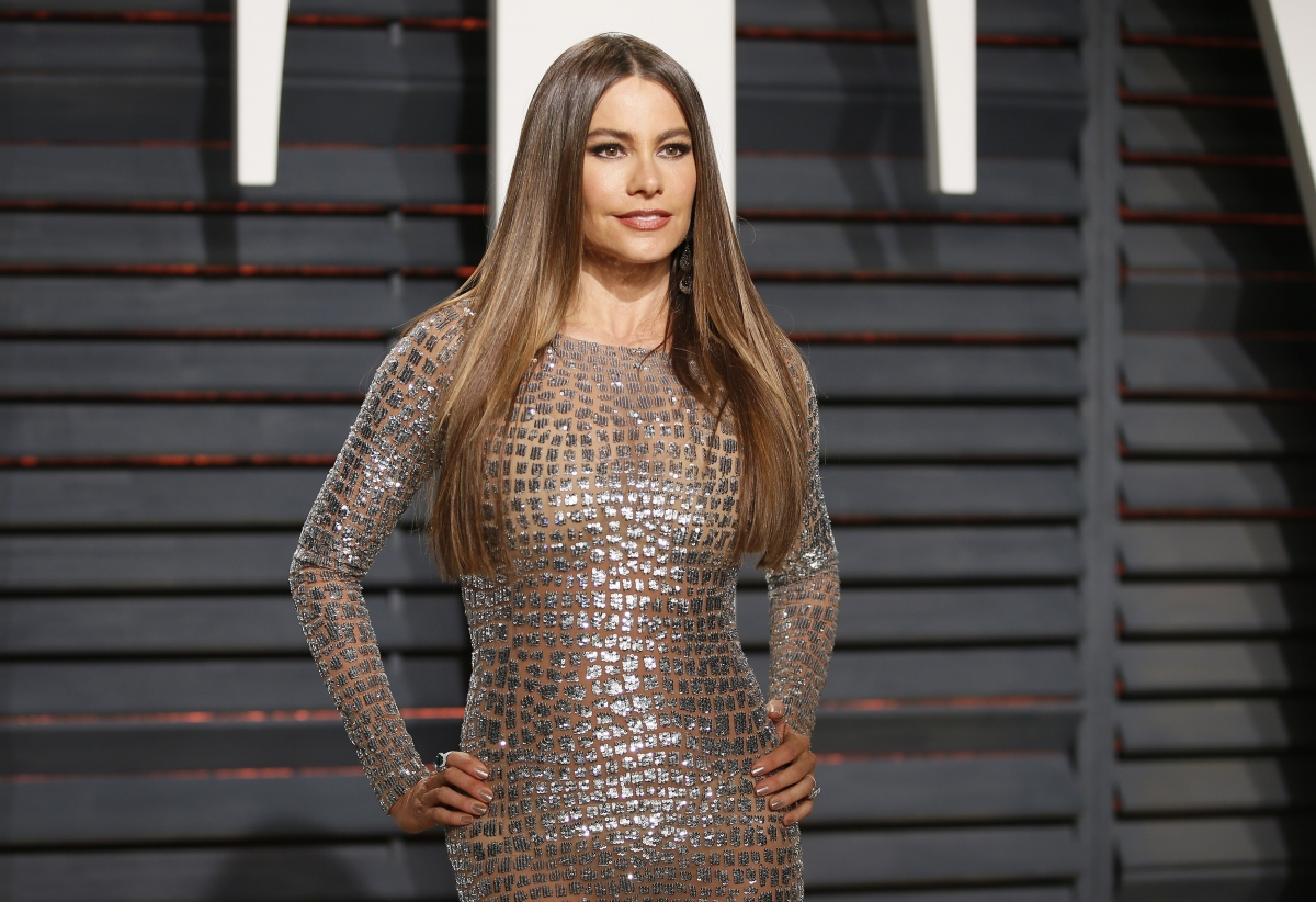 Watch Modern Family Star Sofia Vergara S Hilarious Attempt
