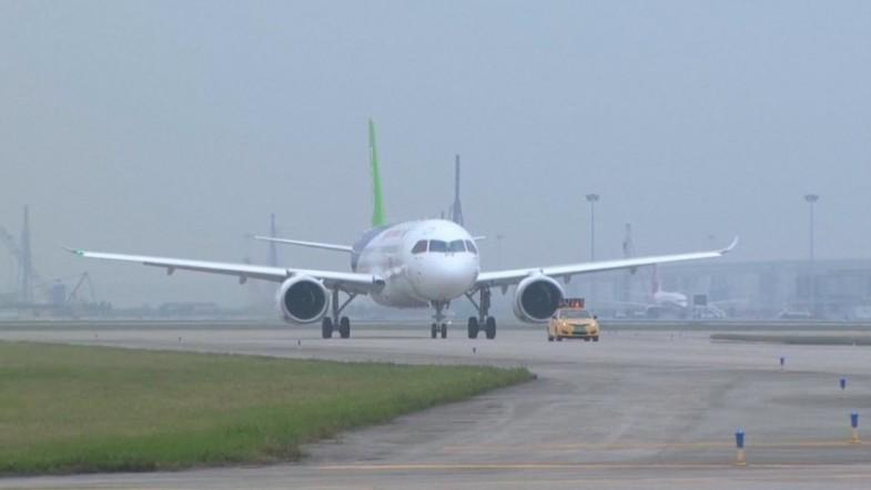Chinas C919 passenger jet takes off for maiden flight